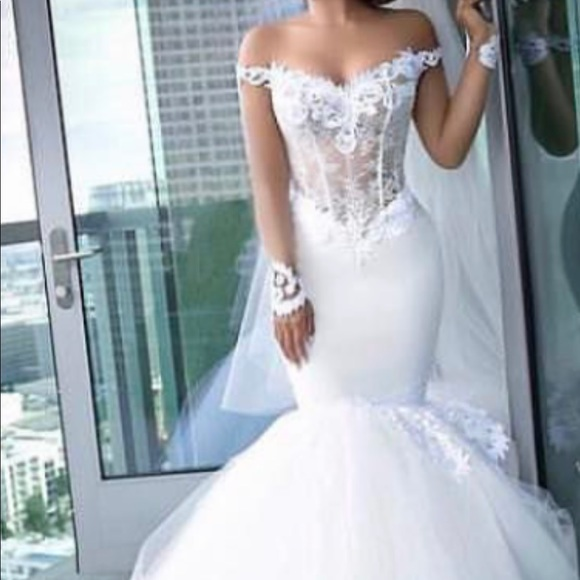 Custom made wedding dress by Moran Kashi